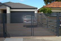 vstupná brána / ENTRANCE GATE
