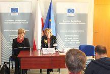 Klimat nas zjednoczy? / Biznes rozumie nasze wysiłki w sprawie przeciwdziałania zmianom klimatycznym - powiedziała Connie Hedegaard na zakończenie swojej dwudniowej wizyty w Warszawie. Europejska komisarz ds. działań w dziedzinie klimatu uczestniczyła w tzw. preCOP czyli konsultacjach wysokiego szczebla przed Konferencją Narodów Zjednoczonych W Spawie Zmian Klimatu (COP19), który 11 listopada rozpocznie się w Warszawie.