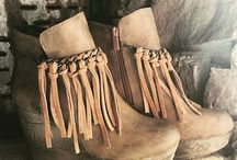 Fall Essentials: Fringe Booties / We are drooling over these fringe booties and the boutiques that carry them! See our full collection at BoutiquesDaily.com!