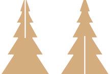 INTERIOR - Deltion College KERSTBOOM HOUT / Kerstboom hout met schoolbordverf; studenten schrijven kerstwens erop met wit krijt