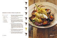 Kookboek RainaRai / Waan je in het nomadische Algerije met de recepten in dit schitterende kookboek...  Dit originele kookboek staat boordevol vegetarische en visgerechten uit de nomadische keuken van Algerije. De gerechten, geïnspireerd door Raïnaraï, het restaurant van Laurant Med Khallout, maken dit boek op en top nomadisch: een losse stijl van leven en koken, waarbij vrijheid en avontuur hoog in het vaandel staan.