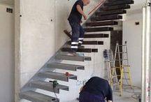 Escaleras flotantes y más
