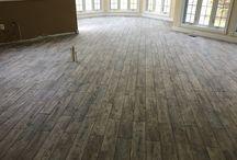 Floor / Tile floor