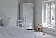 white and neutral spaces / Interior decor | whites | neutrals |