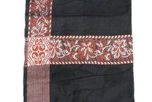 Turbantes, Panuelos o Mantas / La bufanda larga Haba'ib también conocido como un turbante está hecha de un material suave como la cachemira. Puede ser usado como un turbante o Panuelo. Estos son usados comúnmente por los descendientes Haba'ib del Profeta SAW) en Yemen e Indonesia.