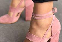 pink m o o d