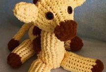 loom knittted giraffe