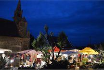 Marchés d'Artisanat et du Terroir de Plouharnel - Crafts markets in Plouharnel / Tous les étés, le vieux bourg est le cadre enchanteur de nos deux marchés semi-nocturne - Every summer, the beautiful old city welcome our two crafts markets.