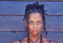 Stunning Dreadlocks / This is a sampling of some of the amazing dreadlocks that we have come across. Beautiful, fun, interesting and eye-catching. #dreadlocks #locs# Dreadstyle