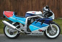 Suzuki GSX-R 750R / 1986 Suzuki GSX-R750R. The street-legal limited ediotion (only 500 made). 1989 Limited edition (only 500 to 1000 made) racing model.