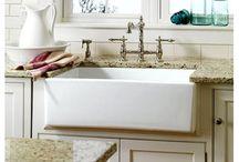 Decorating - Sinks - Bathroom & Kitchen / by Lezlie Eidson