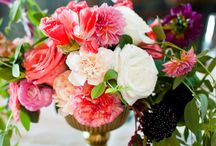 Vintage Chic Centrepieces / Centerpiece inspiration for wedding and event tables you can eat with your eyes.