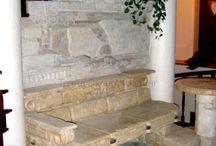 Интерьеры / #Интереьр #НатуральныйКамень #ТрейдЭкспоХолдинг Среди основных областей применения натурального и искусственного камня в доме можно выделить облицовку стен, бассейнов, каминов, столешниц, подоконников, лестниц, а также укладку полов. http://mircamnya.ru/portfolio/interery/