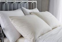 """""""Flanelas Bianca Cottonsoft"""" / Luxuoso Algodão Cardado, de toque macio e volumoso para um excelente conforto. Qualidade Premium. Natural, suave e respirável. Aconchegante e quente. Conforto Premium.  Fronhas de Almofada, Capas e Lençóis.   Disponivel em 2 cores: Branco & Creme"""