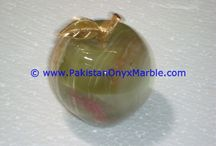 ONYX APPLES GREEN ONYX HANDCARVED NATURAL STONE BRASS LEAF STEM PAPER