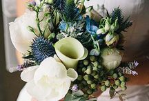 Flowers - Wedding / I like white, green, a slight bit of blue and maybe peach or red