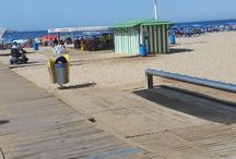 Best Beaches / Do you love to be beside the seaside? Here are reviews and listings of accessible beaches!