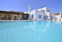 Les Cyclades / Les Cyclades : un paradis ou règne une authentique douceur de vivre et où chacun peut y trouver son bonheur et sa maison de vacances. Petite visite de nos villas sur www.onoliving.com