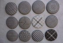 Segunda Impressão / A união do artesanato com o design,produzindo peças exclusivas através da técnica do trançado,utilizando papel-jornal como matéria-prima.