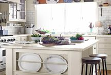 pics for MY kitchen / by Heather Hutchings Rogers