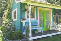 Ode to the Tiny House / An adventure in all things tiny