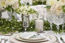 Emerald & Gold Wedding Theme / Wedding Themes