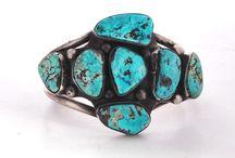Jewelry to make / by Taytum Marsing