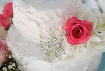 Wedding Cakes / Wedding cakes featured on A Colorado Courtship Blog