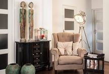 Vloerlampen | Rofra Home / Met vloerlampen kun je eenvoudig heel gericht iets verlichten. Daarom worden vloerlampen vaak naast een bank, fauteuil of bureau geplaatst. Bekijk hier een greep uit ons assortiment staande lampen.  #vloerlampen #staandelampen #verlichting #rofrahome