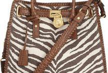 Fashion-Bags / by GiovannaK
