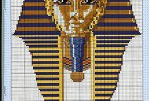 Египетские мотивы крестиком