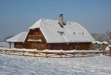 Dřevěné domy v zimě