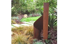 Outdoor Sculpture / Modern sculptures in outdoor garden settings. Focus on abstract shapes and metal structure.