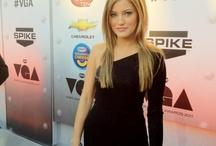 Justine Ezarik / Justine Ezarik style, body and lifestyle in pictures