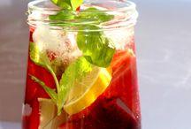Detox water / detox water with lemon, strawberries, menta and basilic