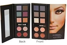 Palette Presents / Gorgeous beauty palettes that make for a perfect holiday gift!