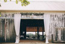 Curtains / Entrance