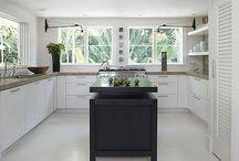 Kitchen / by Mariana Vidakovics De Victor