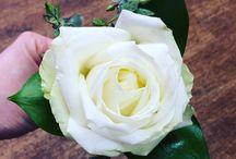 Wedding Buttonholes / Our floral wedding buttonholes