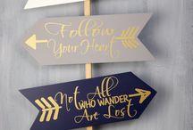 tabliczki\kierunkowskazy\napisy na drewnie