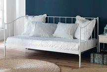 CANAPÉS-LIT / Un large choix de canapés-lits pour la décoration de votre maison