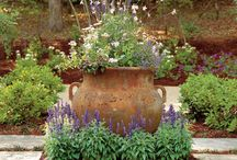 Garden Focal Points / by Tina Koral