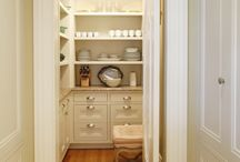 Butler's Pantry / by Jessica Clock