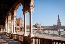 Sevilla tiene un color especial / Reserva tus vacaciones ahora y despiértate en un hostal de diseño en Sevilla http://www.hostelsclub.com/city-es-611-Seville.html