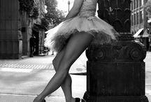 Ballerina/Pole/Urbex / Poses Danse Classik' , Contorsion, Pole Dance dans milieu décalé:  Urbain, Urbex, Plage, bord de rivière, nature, etc...