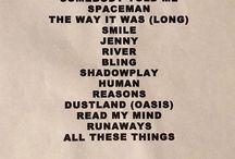 Wonderful Wonderful Tour Setlists / Foto delle setlist cartacee dei concerti del Wonderful Wonderful Tour. N.B. Le setlist finali dei concerti potrebbero non essere queste