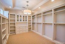 243 Walk-in Closet