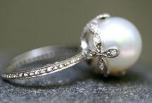 Jewelry. <3 / by Courtney Greene