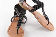 sandals/plakkies