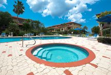 Lacovia 6 - Cayman Villas / Centrally located on Seven Mile Beach, this three bedroom condo is ideal for those wishing to relax on the famous 7MB, snorkel, walk the beach and be near fantastic restaurants and bars.